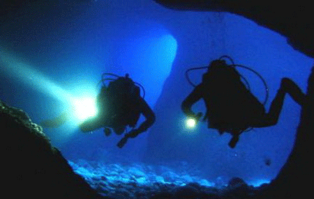 night and limited visibility | Amazing Dive
