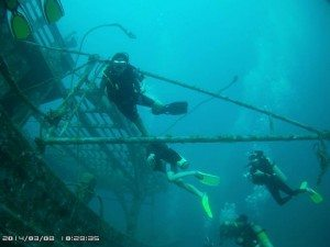 Swimming through 5 Sisters Wreck