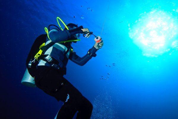 进阶开放水域潜水员