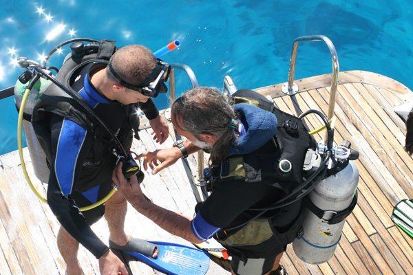 潜水教练课程