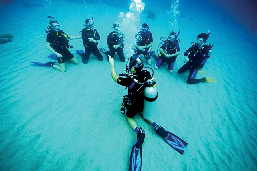 bintan-diving-is-good-for-beginners-and-unexperienced-divers-1