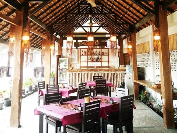 Cocotinos Lembeh Resort Resto Bar | Eko Divers