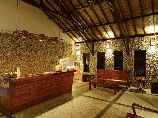Cocotinos Sekotong Resort Front Desk | Eko Divers